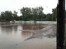 Hartplatz bei Regen